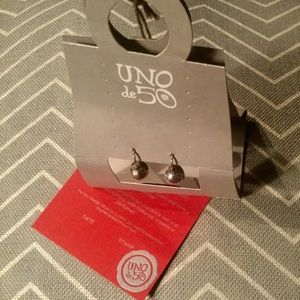 UNO DE 50♥️NWT♥️Fishhook Earrings SOLID BALL
